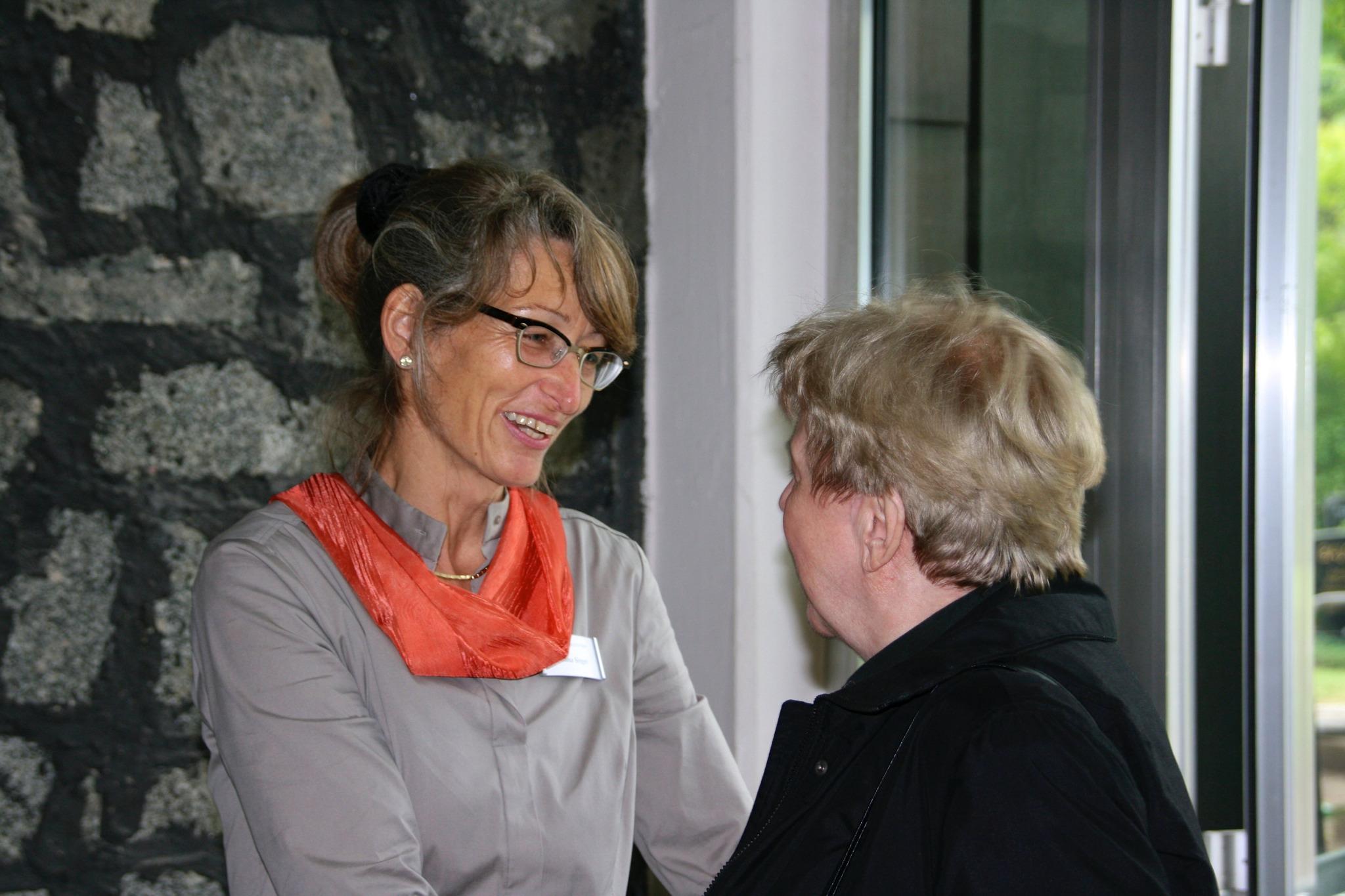 Frau Sieger im Gespräch